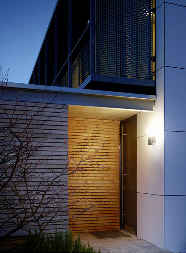 Steinel CAM light sensorlamp bij de voordeur