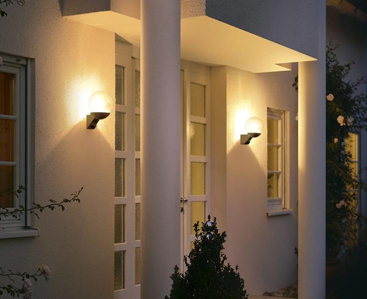 Steinel L 585 S sensorlampen bij de voordeur