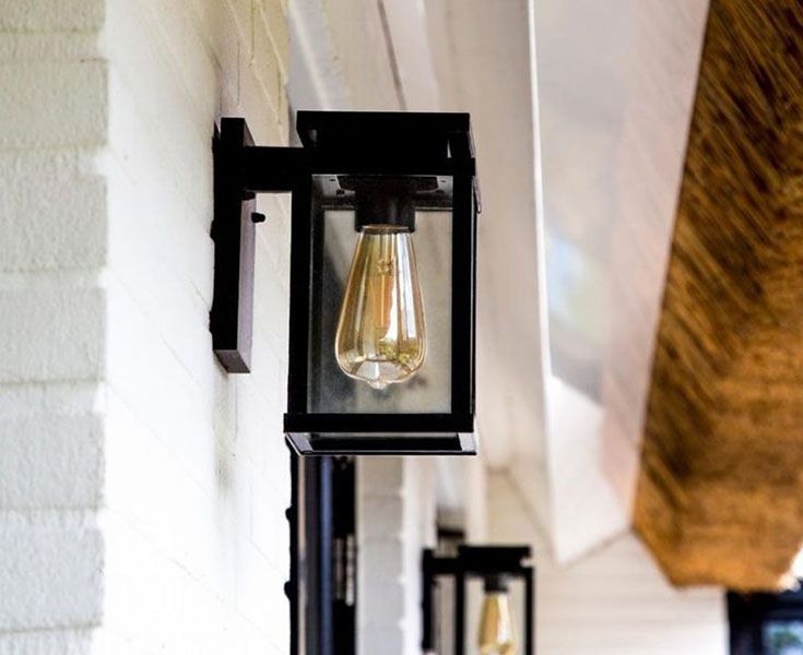 KS verlichting Jersey buitenlamp tegen de buitenmuur